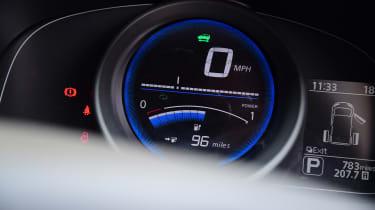 Nissan e-NV200 Combi - speedo