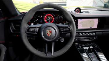 Porsche 911 GTS - dash