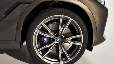 BMW X6 - wheel