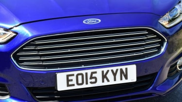 Ford Mondeo - grille