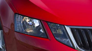 Skoda Octavia Estate 2017 facelift headlight