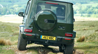 Mercedes G 350 d -rear tracking off road