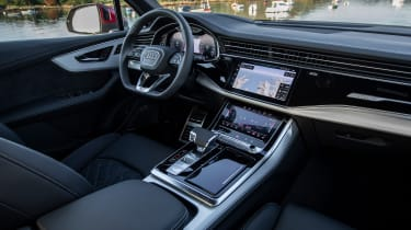 Audi Q7 55 TFSI - interior