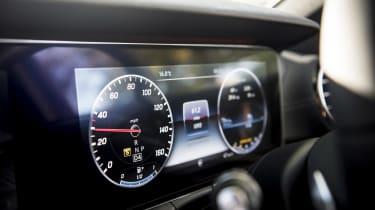 Mercedes E 400 d Estate - dials