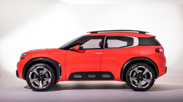 Citroen Aircross concept - side studio