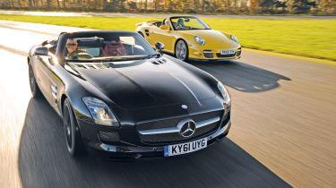 Mercedes SLS Roadster vs Porsche 911