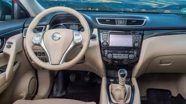 Nissan X-Trail 2.0 diesel - dash