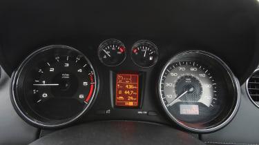 Used Peugeot RCZ - dials