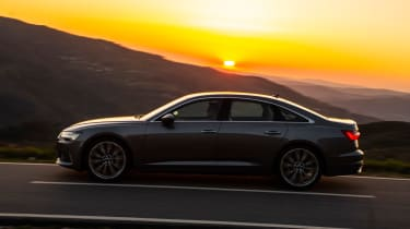Audi A6 - twilight side action