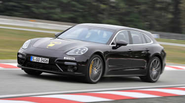 Porsche Panamera Sport Turimso - Golden Steering Wheel 2017 front