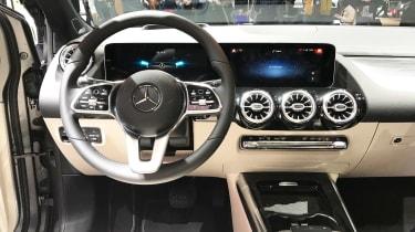 Mercedes B-Class - Paris dash