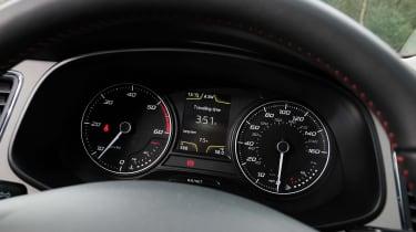 SEAT Leon X-Perience dials