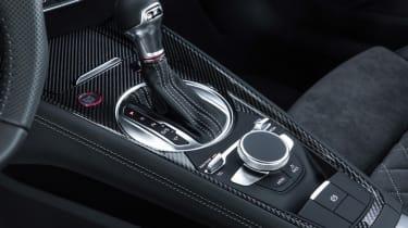 Audi TT S - gear lever