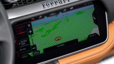 Ferrari Portofino M - infotainment