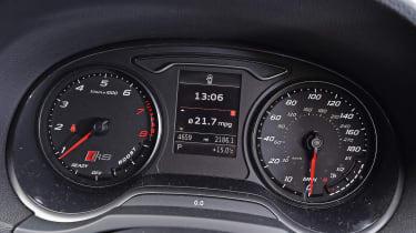 Audi RS3 - dials