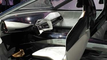 Nissan IMQ concept - Geneva dash