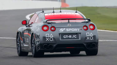 Remote control Nissan GTR/C - rear