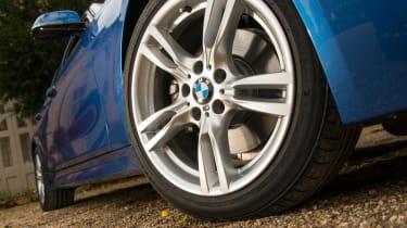 BMW 328i Touring wheel