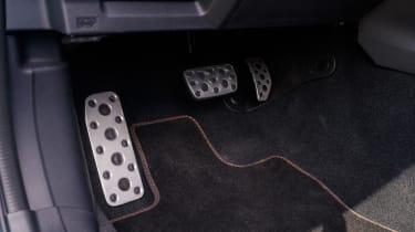 Subaru XV - pedals
