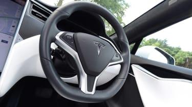 Tesla Model S 75D - steering wheel