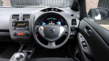 Nissan Leaf Visia interior