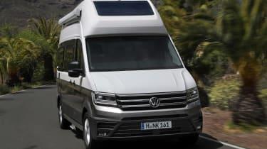 Volkswagen Grand California - front action