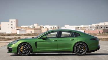 Porsche Panamera GTS - side static