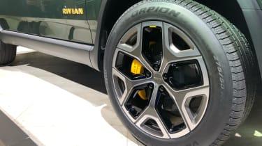 Rivian R1S - LA Motor Show - wheel