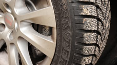 SEAT Alhambra winter tyre detail