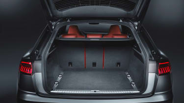 Audi SQ8 - studio boot
