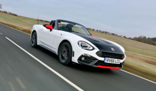 Abarth 124 Spider - front tracking