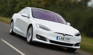 Tesla Model S 60D 2016 - front tracking