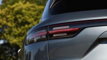 Porsche Cayenne S - rear light