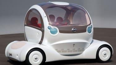 Nissan Pivo 1