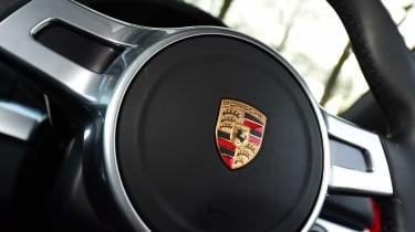 Porsche Cayman - steering wheel