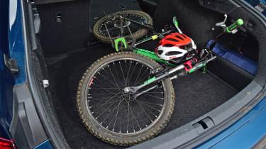 Skoda Octavia 1.5 TSI - long termer bike