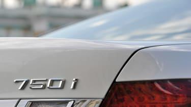 BMW 750i badge