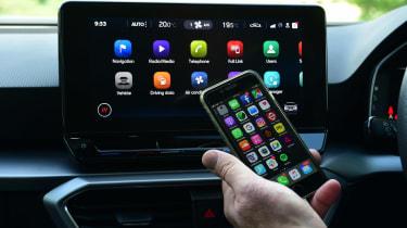 SEAT Leon e-Hybrid long termer - first report CarPlay