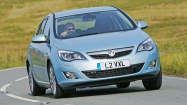 Alternator - Vauxhall Astra