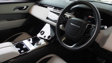 Range Rover Velar - Goodwood dash