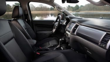 Ford Ranger Limited - cabin