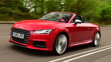 Audi TTS Roadster 2016 - front tracking