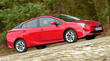 Toyota Prius 2016 UK - side tracking