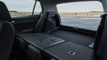 Volkswagen Golf eTSI drive - boot
