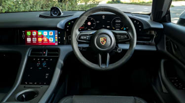 Porsche Taycan 4S Cross Turismo - dash