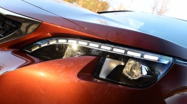 Peugeot 3008 - front light detail