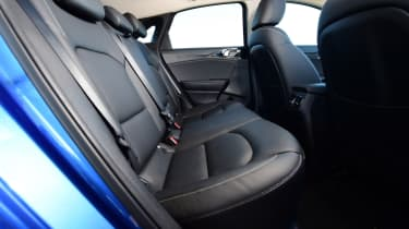 kia ceed rear seats legroom