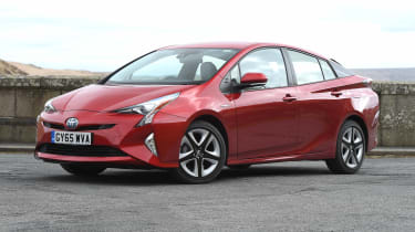 Toyota Prius - front static