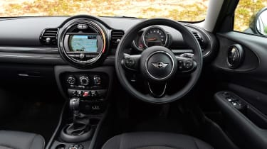 MINI Cooper Black Clubman - dash