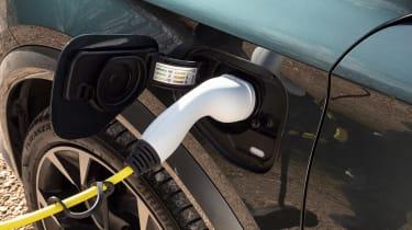 Cupra Formentor e-Hybrid - charging